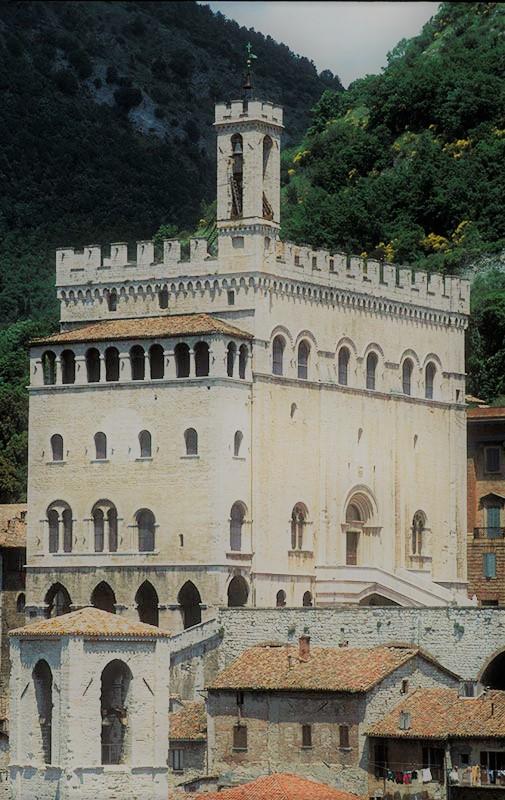 Gubbio - Nelle terre del duca
